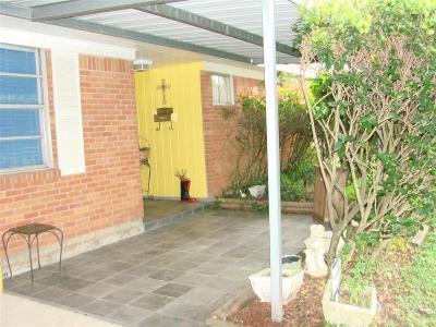 Pasadena Single Family Home For Sale: 1215 Dunstan Road