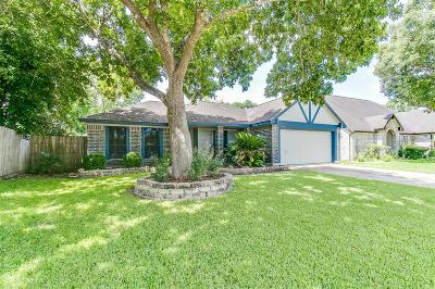 Friendswood Single Family Home For Sale: 15834 Pilgrim Hall Drive