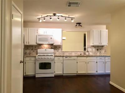 Pearland Condo/Townhouse For Sale: 726 E Country Grove Circle