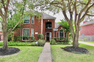 Sugar Land Single Family Home For Sale: 7122 Emerald Glen Drive
