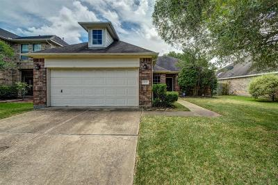 Sugar Land Single Family Home For Sale: 4722 Knights Branch Drive