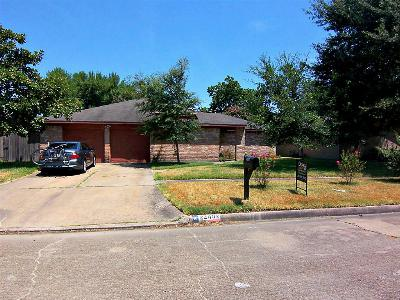 Single Family Home Sold: 22402 Fincastle Dr
