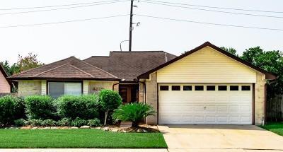 Sugar Land Single Family Home For Sale: 3319 W Heatherock Circle