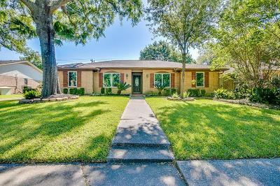 Houston Single Family Home For Sale: 903 Blue Willow Drive