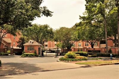 Houston Condo/Townhouse For Sale: 2111 Welch Street #A312