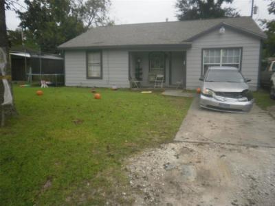 Houston TX Single Family Home For Sale: $130,000