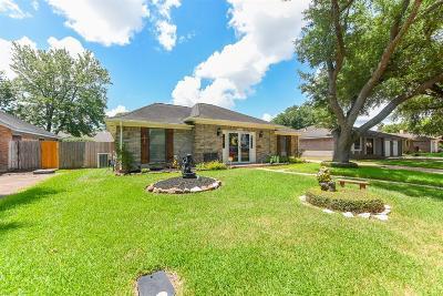 Pasadena Single Family Home For Sale: 4902 Pocahontas Drive N