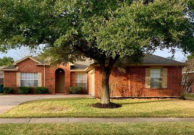 Pearland Single Family Home For Sale: 4525 Fox Run Street