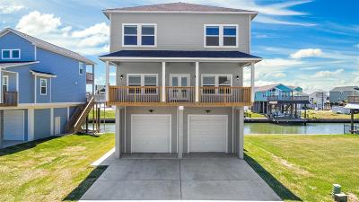 Tiki Island Single Family Home For Sale: 417 Jeanie Lynn Street