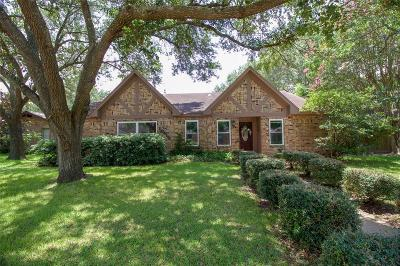 La Porte Single Family Home For Sale: 10410 Carlow Lane