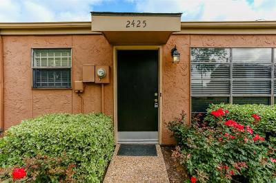 Houston TX Condo/Townhouse For Sale: $129,000