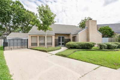 Houston Single Family Home For Sale: 1303 Ambergate Drive
