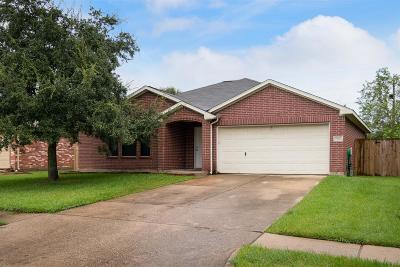 Alvin Single Family Home For Sale: 2905 Community Drive