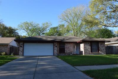Sugar Land Single Family Home For Sale: 13718 Fernhill Drive