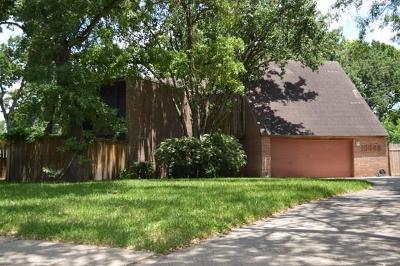 Houston Single Family Home For Sale: 10602 Shady River Drive