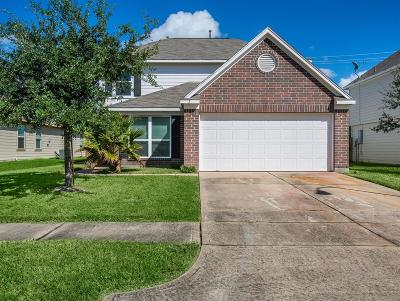 Baytown Single Family Home For Sale: 7926 Echinacea Drive