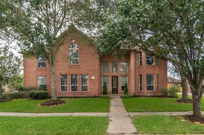 League City Single Family Home For Sale: 303 Green Oaks Drive