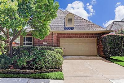 Houston Single Family Home For Sale: 15922 Hillside Falls Trail