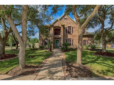 Friendswood Single Family Home For Sale: 2876 Wimbledon Lane
