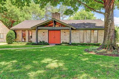 Houston Single Family Home For Sale: 2210 Elmgate Drive
