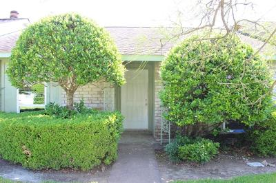 Houston Condo/Townhouse For Sale: 6949 Chasewood Drive