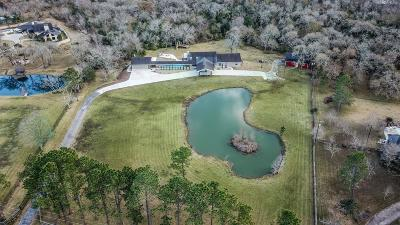 Single Family Home For Sale: 19 Wilderness Trail