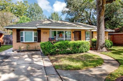 Oak Forest Single Family Home For Sale: 4614 Verdome Lane