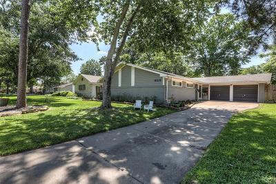 Houston Single Family Home For Sale: 9319 Meadowbriar Lane