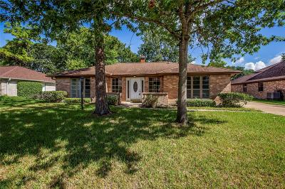 Friendswood Single Family Home For Sale: 5142 Shady Oaks Lane