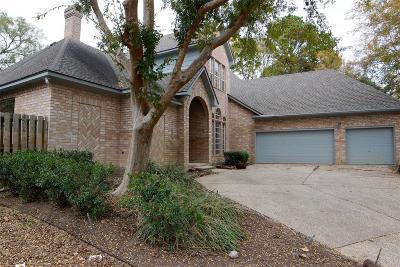 Houston Single Family Home For Sale: 823 Elk Run Circle
