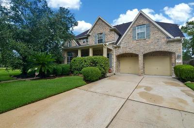 Spring Single Family Home For Sale: 28402 Lauren Cove Lane