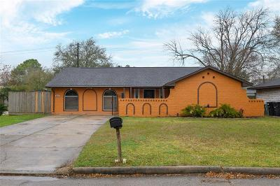 Houston Single Family Home For Sale: 6374 French Chateau Drive