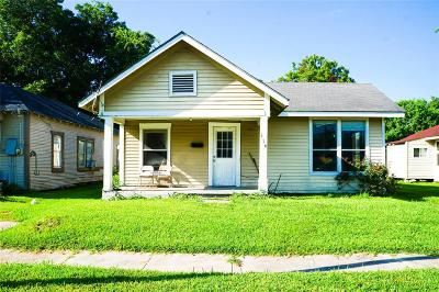 Baytown Single Family Home For Sale: 116 E Sterling Street