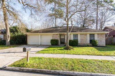 Single Family Home Pending: 29102 Sedgefield Street