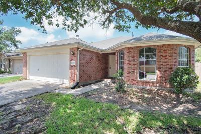 Pearland Single Family Home Pending: 11211 Agave Ridge Lane