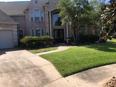 Missouri City Single Family Home For Sale: 11 Commanders Cove