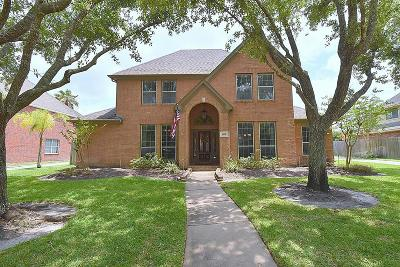 Friendswood Single Family Home For Sale: 1805 Creekside Drive