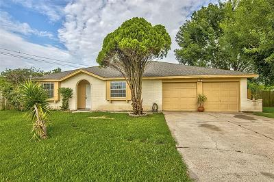 Webster Single Family Home For Sale: 2610 Pilgrims Point Drive