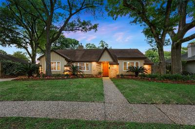 Houston Single Family Home For Sale: 5330 Saxon Drive