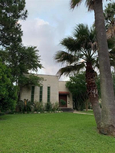 Galveston Single Family Home For Sale: 31 Cedar Lawn Circle