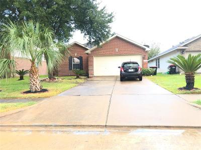 Sugar Land Single Family Home For Sale: 15907 Crooked Arrow Drive