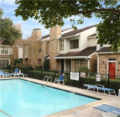 Houston Condo/Townhouse For Sale: 1545 Bering Drive #123