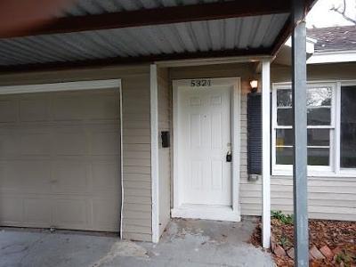 Houston TX Single Family Home For Sale: $121,999