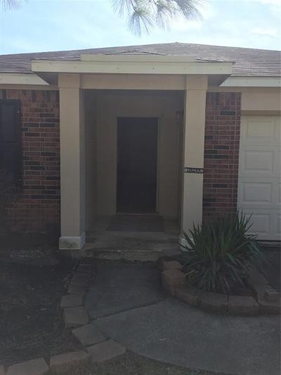 Single Family Home For Sale: 19031 Yaupon Ranch Drive