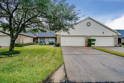 Pearland Condo/Townhouse For Sale: 3530 Teakwood Drive
