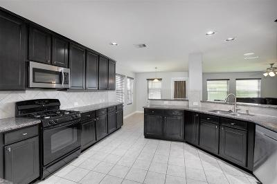 Alvin Single Family Home For Sale: 327 Lake Line Drive