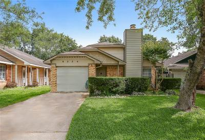 Houston Single Family Home For Sale: 9234 Goodmeadow Drive