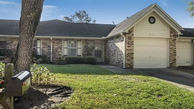 Pearland Condo/Townhouse For Sale: 671 E Country Grove Circle