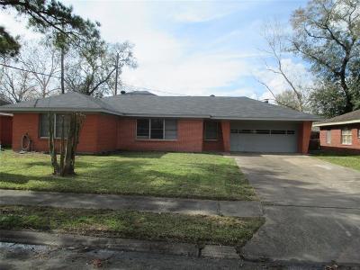 Pasadena Single Family Home For Sale: 1714 Edgehill Road