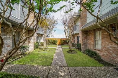 Houston Condo/Townhouse For Sale: 5514 Beverlyhill Street #2